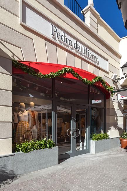 Foto de tienda 3 de Pedro del Hierro / Tendam Global Fashion Retail